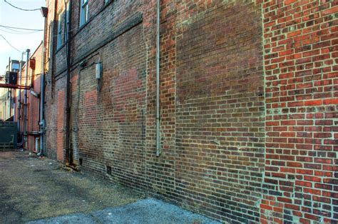 Alley Wall of Bricks - HDR | This is a 5-image combination