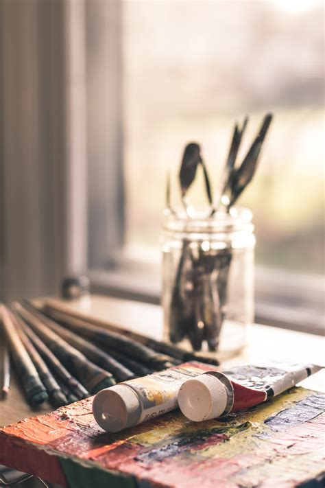 Selective Focus Photography of Paint Brush Set · Free
