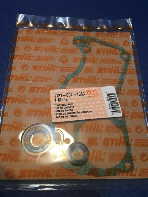 Stihl Chainsaw New OEM MS260 026 024 gasket and oil seal