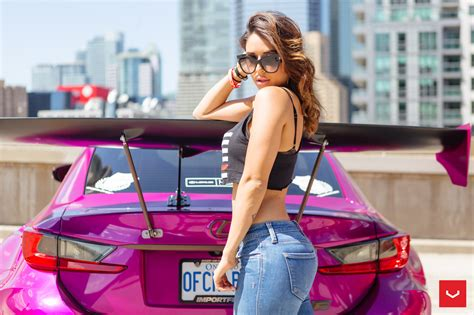instagram-model-tianna-g-connects-with-pink-widebody-lexus
