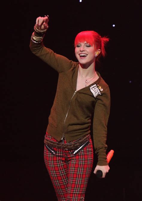 More Pics of Hayley Williams Skinny Pants (1 of 18
